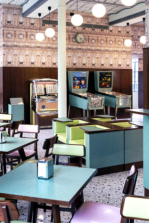 From directing to design: have you seen Wes Anderson's unbelievable bar? (фото 2)