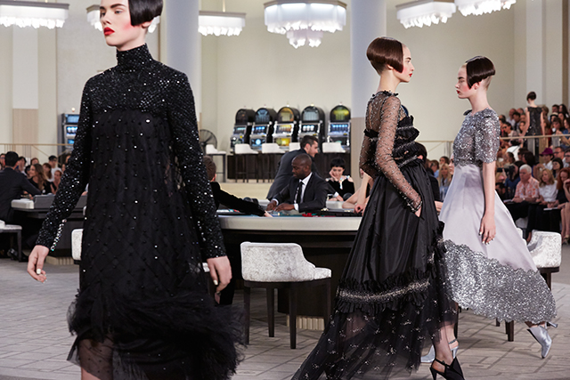 All bets are on: Chanel couture's gamble pays off (фото 1)