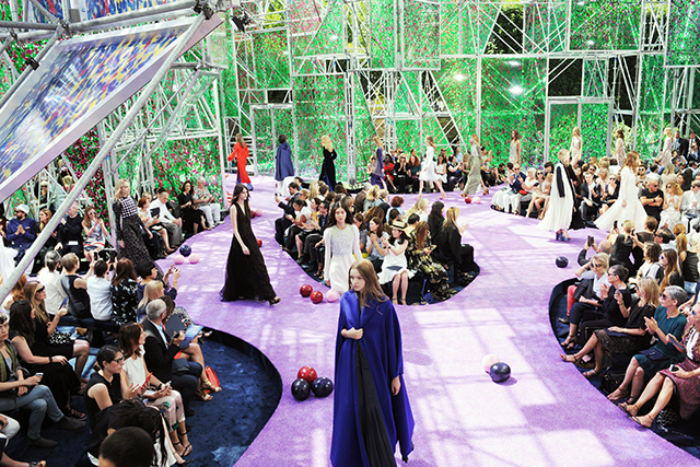 The garden of earthly delights at Dior couture A/W '15 (фото 1)
