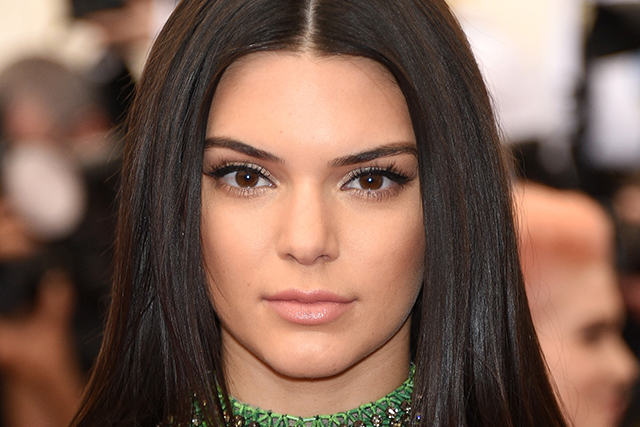14 secrets from Kendall Jenner's make-up artist (фото 4)