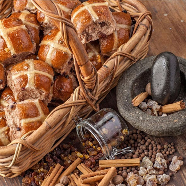 5 Sydney bakeries to try the fluffiest hot cross buns this Easter (фото 1)