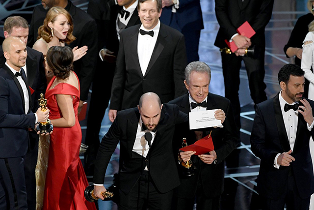Oscars 2017 envelope #fail. Image: Getty