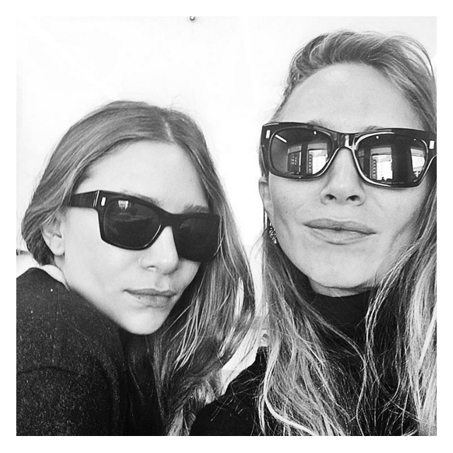 The Olsen twins have posted their first EVER selfie (фото 1)