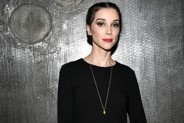 St Vincent is directing a new version of a hugely famous novel (фото 1)