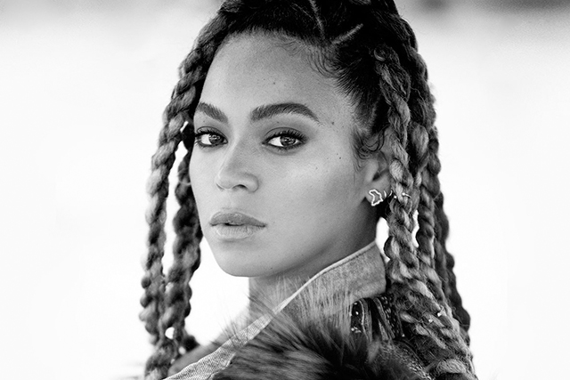 Must have: Beyonce just dropped a $300 coffee table book (фото 2)
