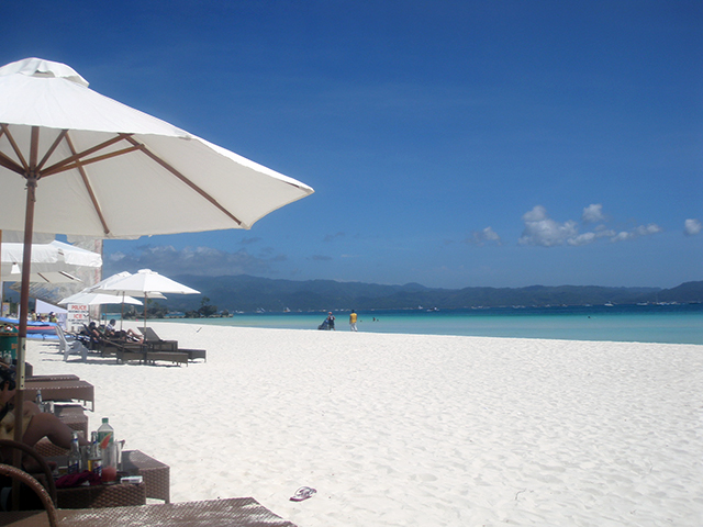 Hot spot: The Philippines' Boracay is the ideal tropical getaway (фото 4)