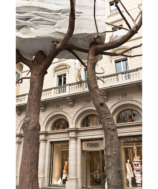 Fendi has donated a new art installation in Rome (фото 1)