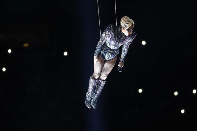 Going Gaga: Was this the best Super Bowl performance ever? (фото 2)