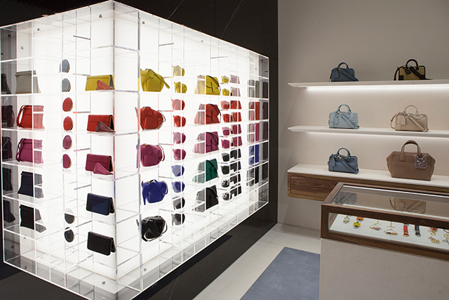 It's pronounced 'Loh-EE-vay': Loewe's Melbourne boutique opens overnight