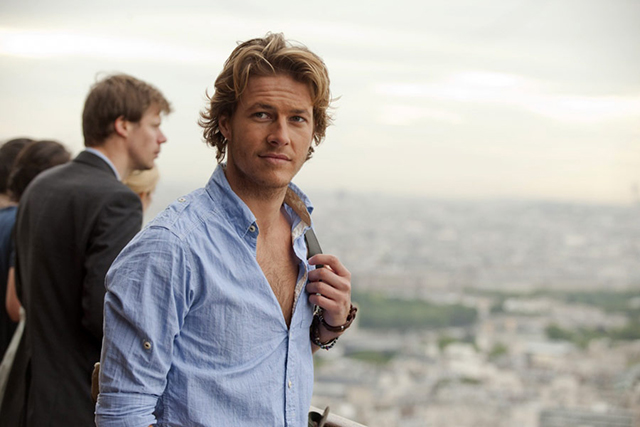Luke Bracey on fragrance, Hollywood and working with Selena Gomez (фото 4)