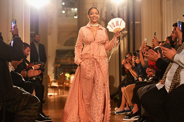 Why Rihanna's Fenty x Puma show is Yeezy all over again (фото 1)