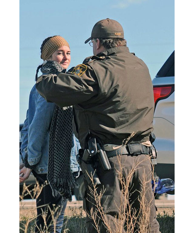 Shailene Woodley reveals the truth behind her arrest (фото 2)