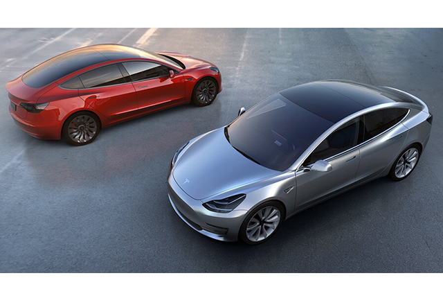 For the masses: Tesla has rolled out its first Model 3 (фото 2)