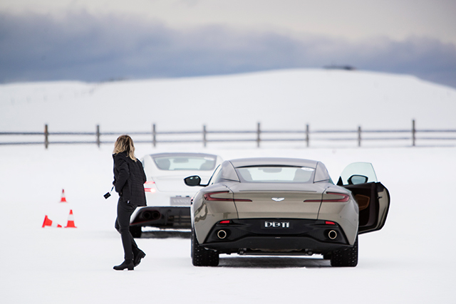Zen and the art of ice driving in Aston Martins (фото 4)