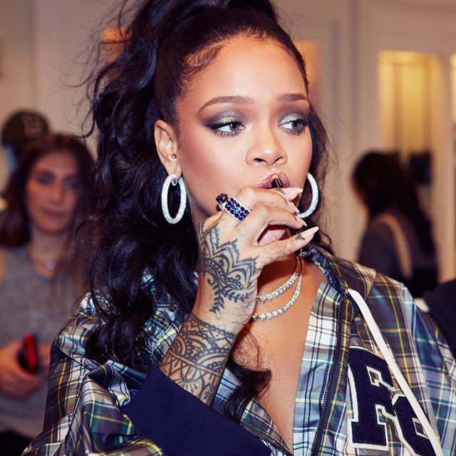 Rihanna's Fenty Beauty scores another amazing accolade (фото 1)