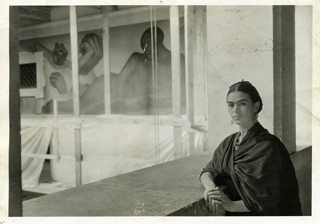 Frida Kahlo at the Detroit Art Institute, Michigan in 1932