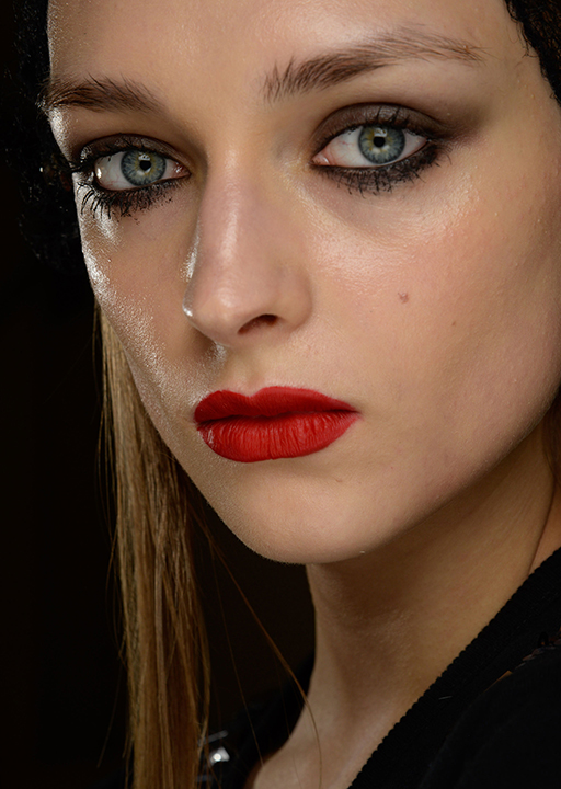 Trending now: your autumn/winter 2015 beauty cheat sheet (фото 3)