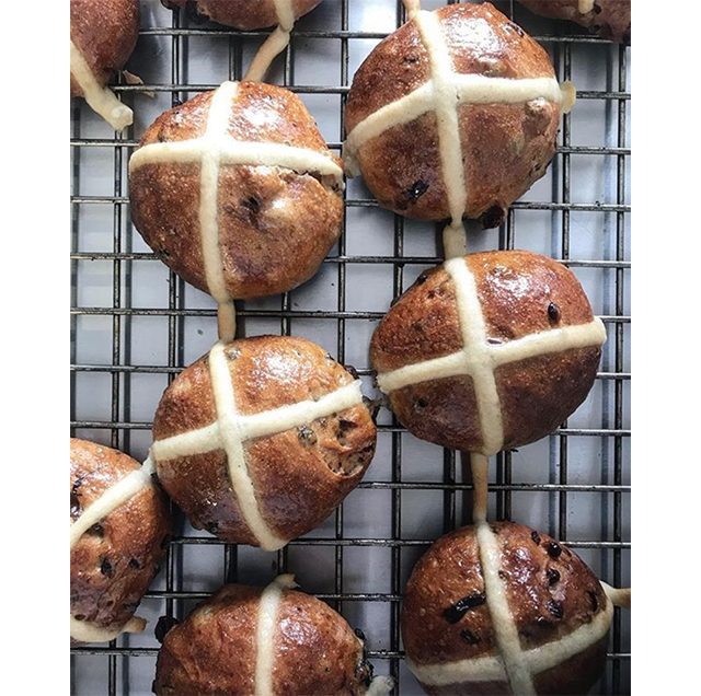 5 Sydney bakeries to try the fluffiest hot cross buns this Easter (фото 5)