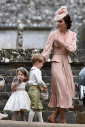 5.	Kate Middleton was maid of honour, decked out in a blush Alexander McQueen ensemble.