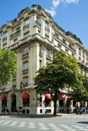13.	Hotel Raphael (17, Avenue Kléber 75116 Paris, France)