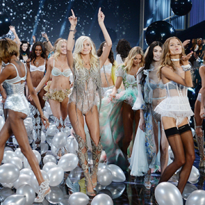 Which famous faces won't appear at the Victoria's Secret 2017 show?
