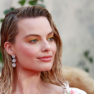 Your first look at Margot Robbie as fierce figure skater Tonya Harding