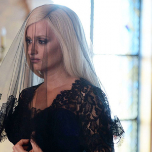 Watch Penélope Cruz as Donatella Versace in 'Versace: American Crime Story'
