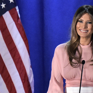 Which fashion designer refuses to dress Melania Trump?