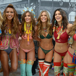 Exclusive: How to get the exact Victoria's Secret show 2016 waves