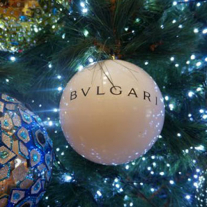 Bulgari creates a Christmas pop-up store on your phone