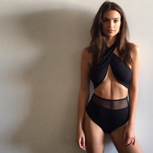 Here's how to look like Em Rata in a bikini