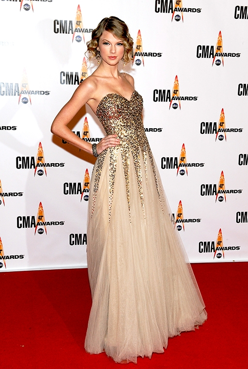the 43rd Annual CMA Awards (November, 2009)