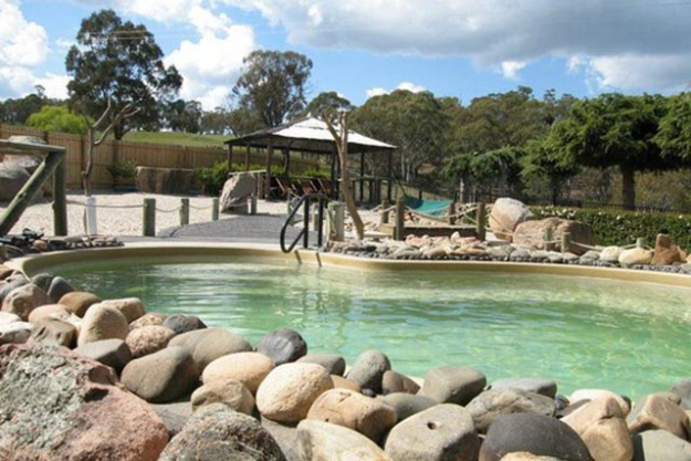 'Blue Mountains Sparadise', Blue Mountains, New South Wales: Converted from a Tudor house facing a lake, the Blue Mountains Sparadise offers a relaxing herbal steam bath surrounded by spectacular green mountains, clear blue lakes and fresh crisp air to rejuvenate and relax you. Set in an exquisite Japanese garden, this unique bathhouse also offers an array of beauty treatments including massages and facials.