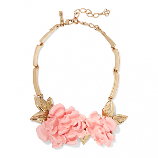 "Oscar de la Renta necklace. Perfect for Oaks Day - wear with Erdem dress and Jimmy Choo clutch<p><a href=""https://www.theoutnet.com/en-AU/Shop/Product/Oscar-de-la-Renta/Gold-plated-resin-necklace/825292"" target=""_blank"">theoutnet.com/en-AU</a>&nbsp;</p>"