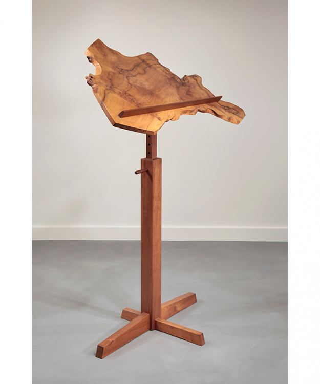 Print Stand, by George Nakashima 1981 courtesy of Moderne Gallery - Moderne Gallery
