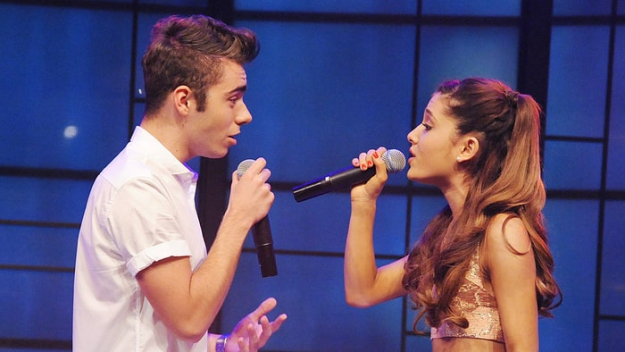 Ariana Grande & Nathan Sykes The petite (despite her name) singer and her ex-boyfriend Nathan Sykes not only remained friends after their 2013 split but came together on the track Over and Over Again.