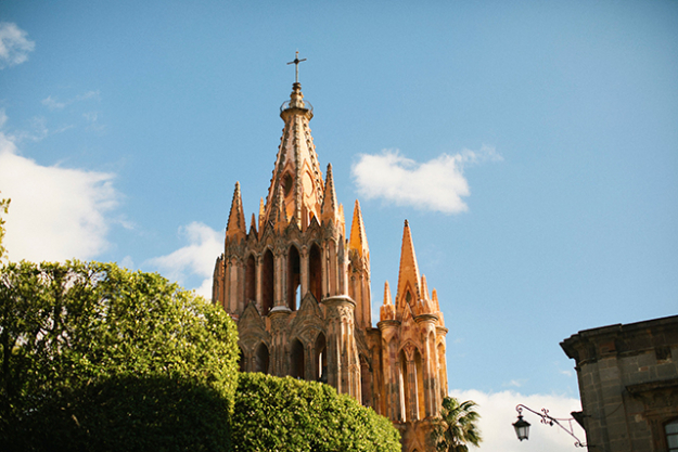 Parroquia de San Miguel Arcángel - a beautiful pink stone cathedral in the centre of town.