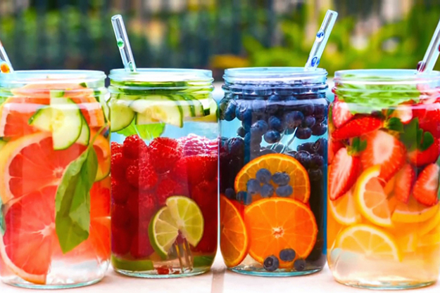 Adding a squeeze of lemon or dash of apple cider vinegar will amp up the cleansing benefits – no sweetener required. Experiment with cucumber, citrus, berries, herbs, spices and teas. Just #infusedwater for healthspo…