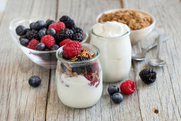 Natural yoghurt: A refreshing lean protein option especially as a quick snack and contains beneficial bacteria for a healthy digestive system.