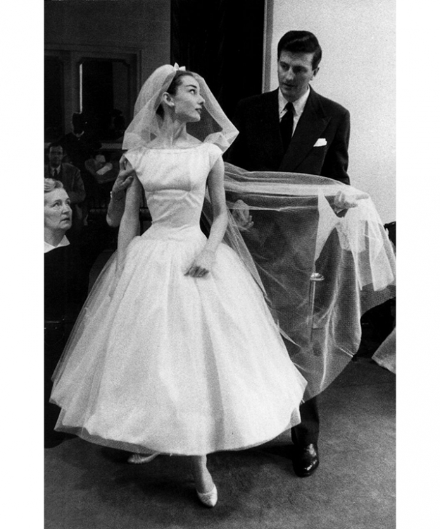 Audrey Hepburn wears a Givenchy wedding dress in 'Funny Face'