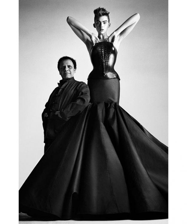 Alaïa with one of his iconic couture creations (image: www.alaia.fr)