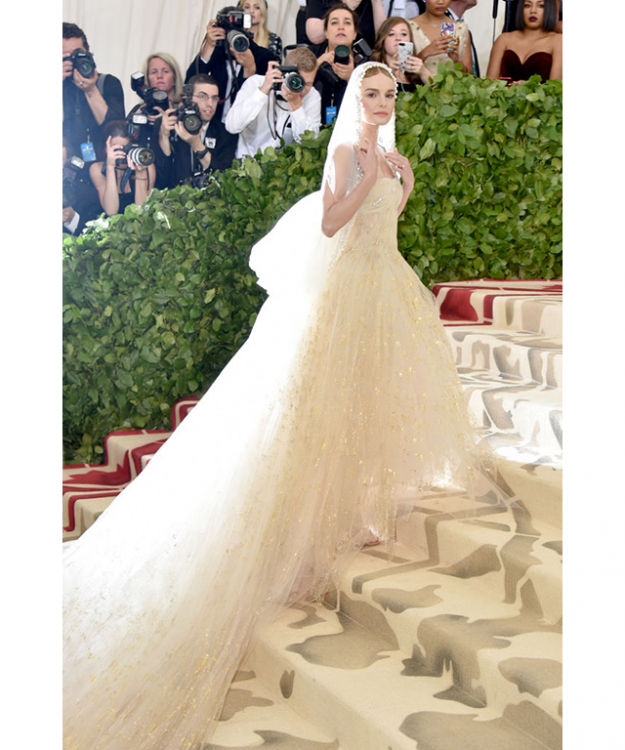 Kate Bosworth wearing Oscar de la Renta at the Met Gala 2018. Image credit: Getty Images.