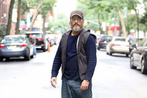 3. You Were Never Really Here: If you're familiar with Director Lynne Ramsay's work (think; 'We Need To talk about Kevin'), you can already anticipate the grim and dark tone this film will surpass. The flick follows Joaquin Phoenix as an ex war solider who's trying to save a woman from the world of sex trafficking.