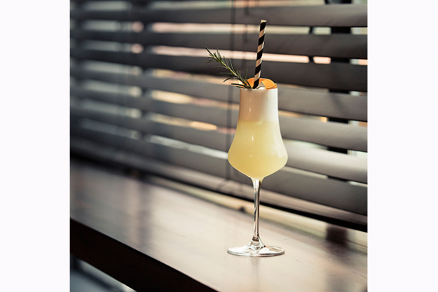 "Impala's Fizzy Wind Cocktail<p><span style=""font-size: 17px; font-weight: bold;"">Ingredients:</span></p>
