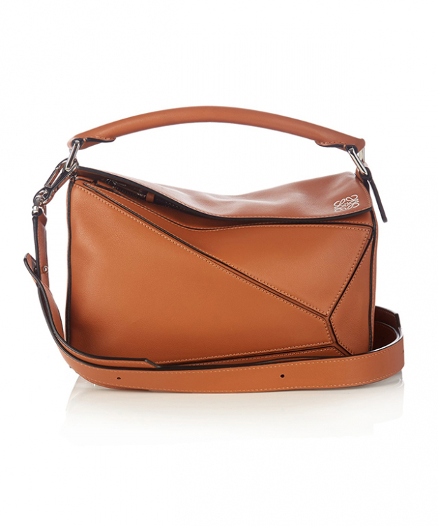 "Loewe bag<p><a style=""font-size: 17px; line-height: 29px;"" target=""_blank"" href=""http://www.matchesfashion.com/au/products/Loewe-Puzzle-small-leather-cross-body-bag-1058920"">matchesfashion.com/au</a></p>