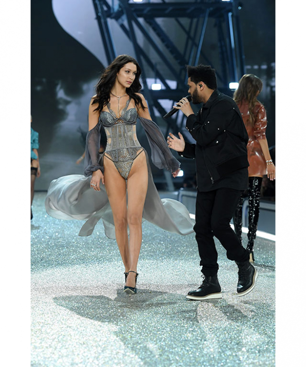 "2. Bella Hadid and The Weeknd walked the runway together and hearts were breaking: This was Bella Hadid's first time walking the VS runway, and it just so happened to be next to her former long-term boyfriend, The Weeknd (a.k.a Abel Tesfaye.) The Weeknd performed while Bella strutted her stuff next to him - and the boy couldn't take his eyes off her. Although Bella has confirmed the couple are ""the best of friends"", we still feel love is in the air for these two."