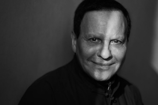 AZZEDINE ALAIA: THE COUTURIER<p>Following the death of the legendary designer in November 2017, the Design Museum will show over 60 pieces from the Ala&iuml;a's archive during the designer's tenure at his label from the past thirty-five years, selected personally by Monsieur Ala&iuml;a before his death and guest curator Mark Wilson.</p>