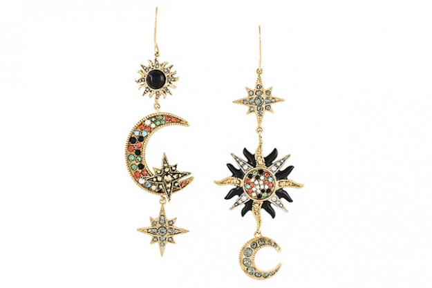 "Roberto Cavalli<p><a target=""_blank"" href=""https://www.farfetch.com/au/shopping/women/roberto-cavalli-moon-and-stars-mismatched-earrings-item-11940770.aspx?storeid=9436&amp;from=listing&amp;ffref=lp_pic_509_1_"">Farfetch.com</a></p>"