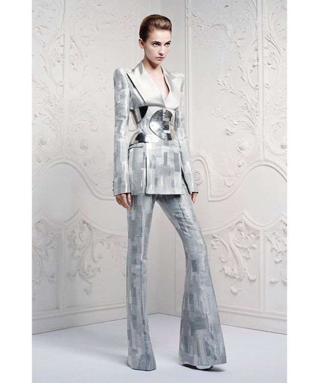 Alexander McQueen himself worked directly with Bowie but since then, Sarah Burton has referenced the star in numerous ways. Case in point: the Resort 2013 collection, which borrowed from the back cover of Bowie's Hunky Dory album.