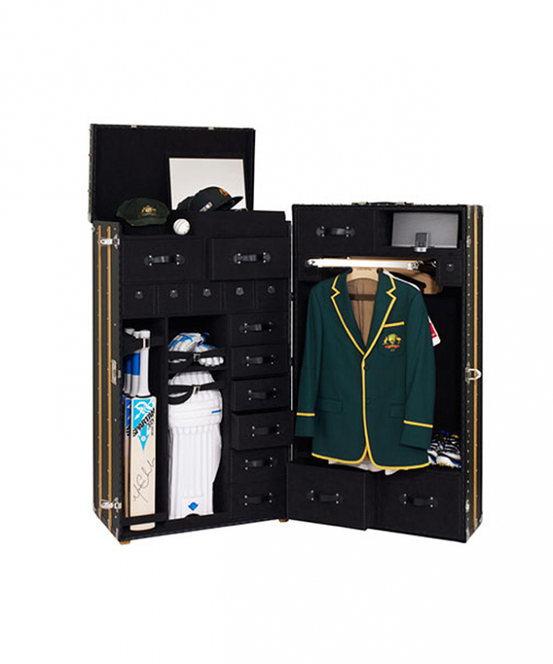 Michael Clarke's cricket trunk